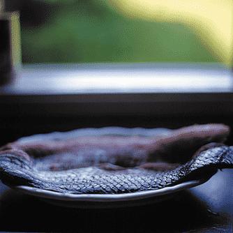 Braiseret pighvar med hokkaido og østershatte.
