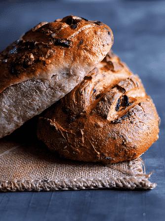 Brød med tørret frugt