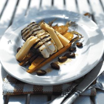 Grillet helleflynder med nye gulerødder