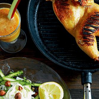 Kylling med aspargescrudité og ristede hasselnødder