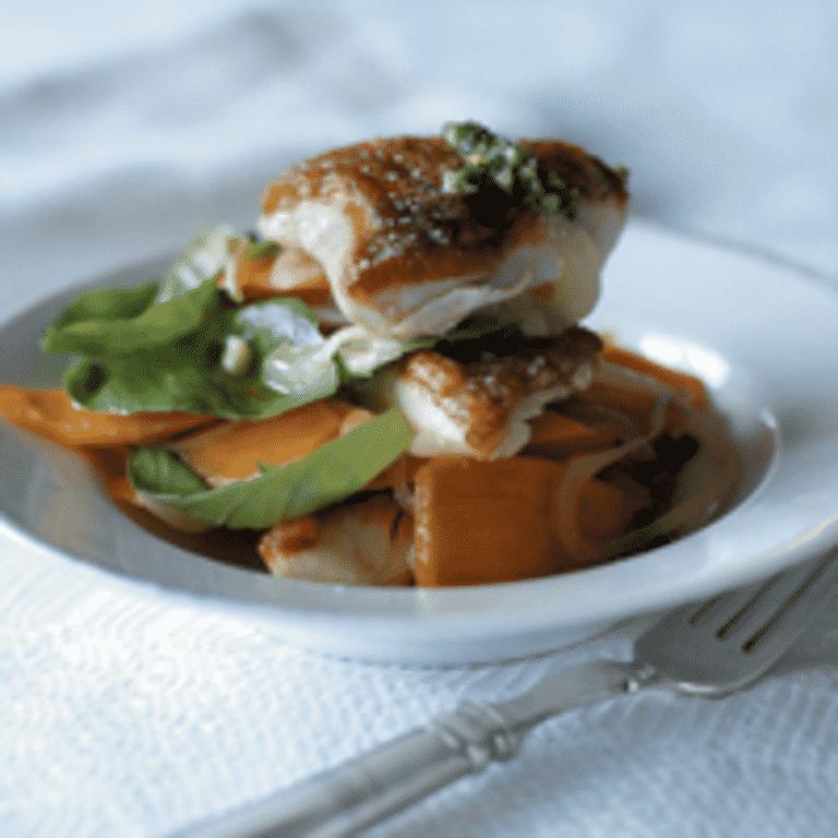 Syltet hornfisk med gulerødder og basilikum